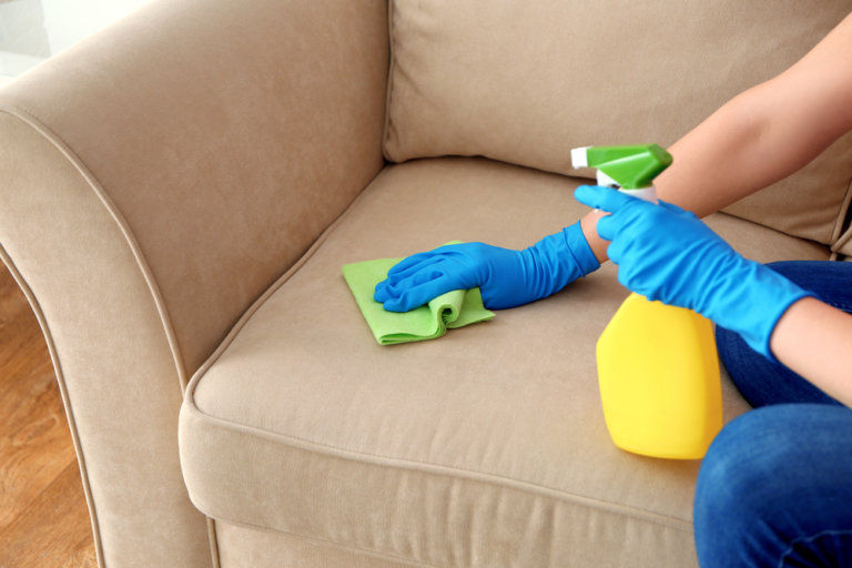 布沙發清潔劑