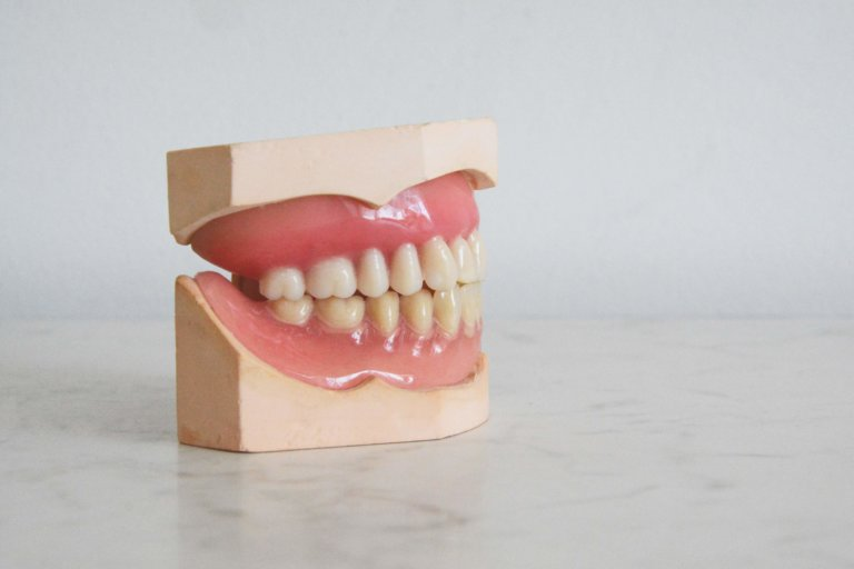 牙齦萎縮初期
